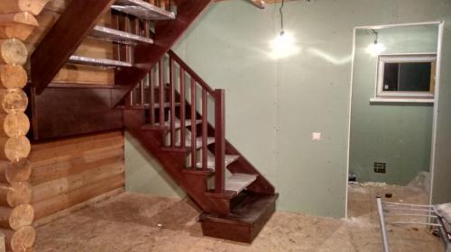 Лестница тетива-косоур